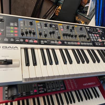 Roland GAIA SH-01 Digital Synth