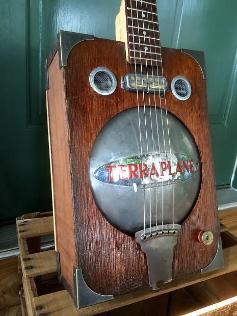 victory guitars cigar box sound hole pair aged finish reverb. Black Bedroom Furniture Sets. Home Design Ideas