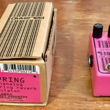 Malekko Omicron Spring Reverb  2015 Pink