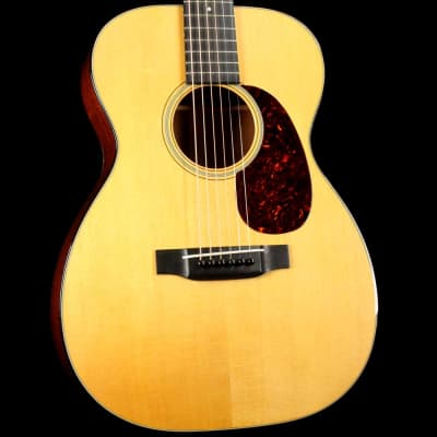 Martin 00-18V Acoustic Natural 2015 for sale