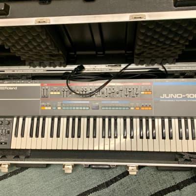 Roland Juno-106 61-Key Programmable Polyphonic Synthesizer