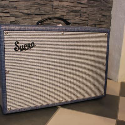 Supro 1624T Dual Tone Reissue 24-Watt 1x12