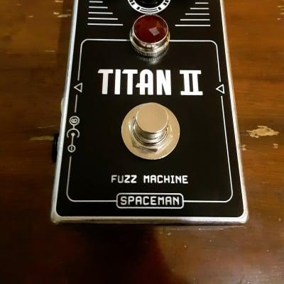 Spaceman Titan II Fuzz Machine Silver
