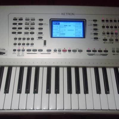 Ketron  XD9 Professional 61 Key Arranger Workstation Keyboard