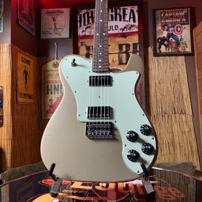 Fender Chris Shiflett Telecaster Deluxe in Shoreline Gold