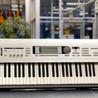 Korg TRITON Le 88 Music Workstation Keyboard - Aluminum