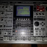 Roland MC-909 w/bound and laminated manual