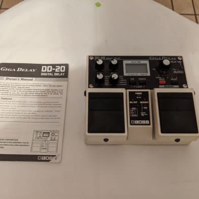 Boss DD-20 Giga Delay Guitar Pedal Double Pedal Effects Pedal Great Condition with Manual