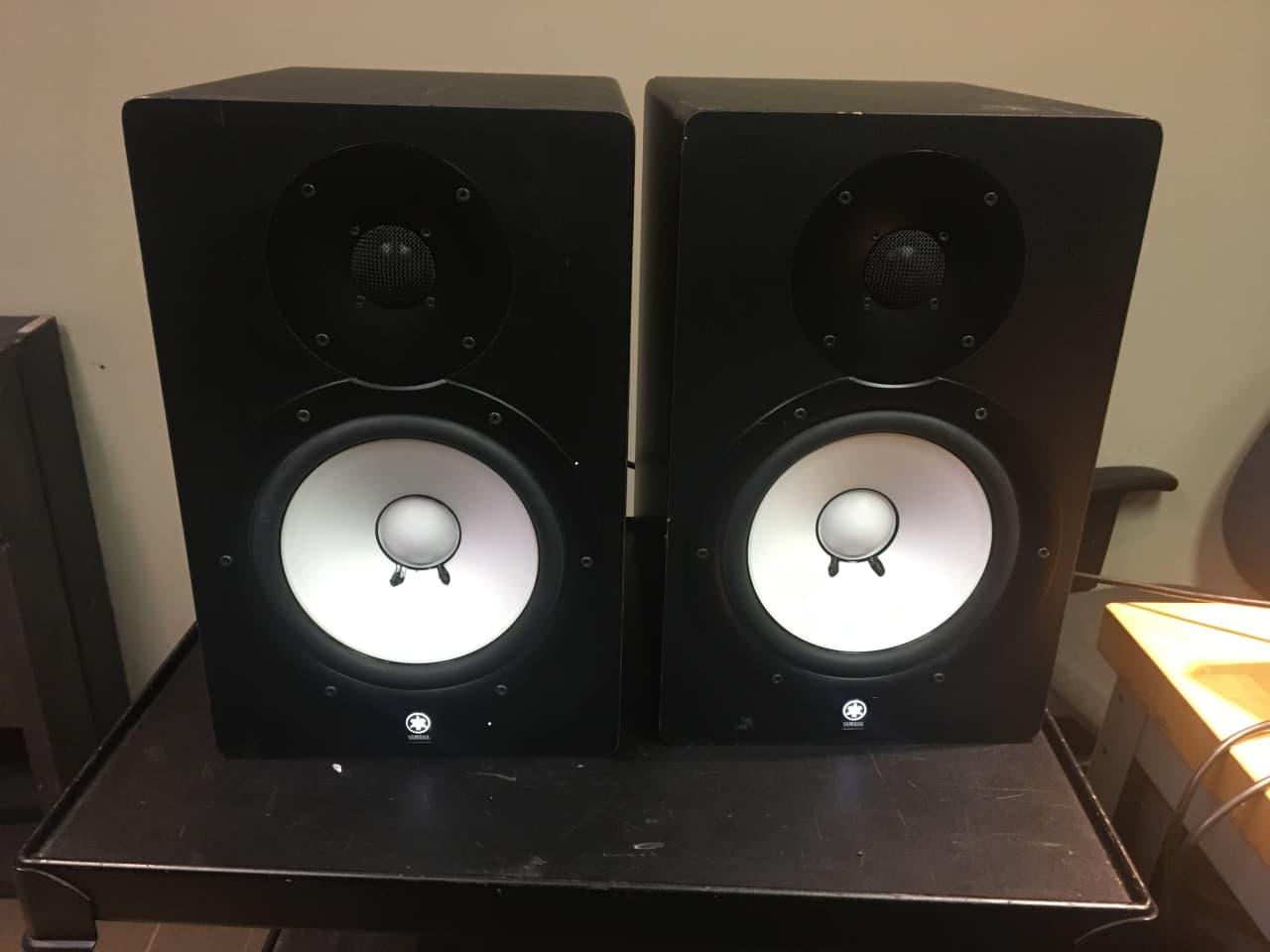 Yamaha hs80m powered studio monitor pair postworks ny for Yamaha hs80 vs hs8