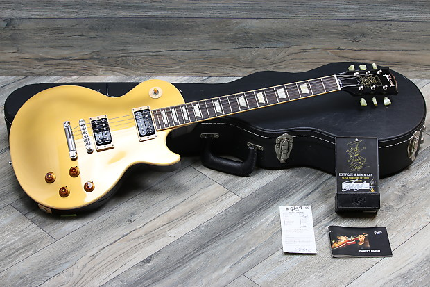deb0b4f0e0db36 Description  Shop Policies. Lovies guitars is offering up a gorgeous and 2008  Gibson Les Paul Slash Standard Signature electric guitar in his famous  Goldtop ...