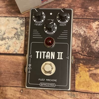 Spaceman Effects Titan II Fuzz Machine (Standard Edition)