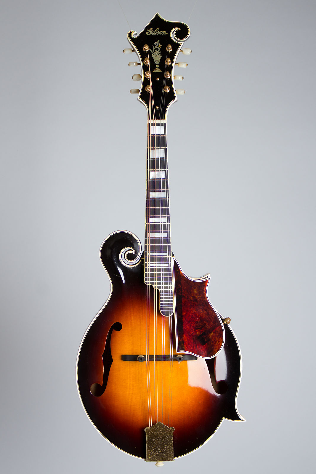Gibson  F-5 Carved Top Mandolin (1938), ser. #95361, original black hard shell case.