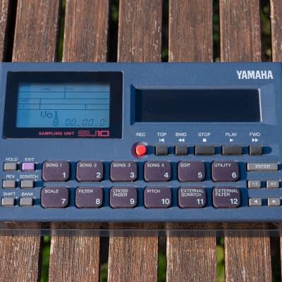 Yamaha SU10 pocket sampler 1996