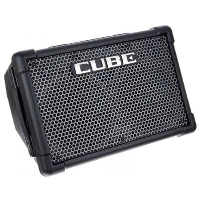 ROLAND CUBE STREET EX Battery Powered Guitar Combo
