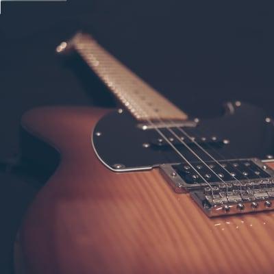 Fender Modern Player Telecaster Plus w/ Hard Case