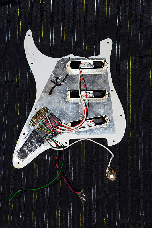 emg dg20 david gilmour pre wired loaded strat pickguard 2010s reverb. Black Bedroom Furniture Sets. Home Design Ideas