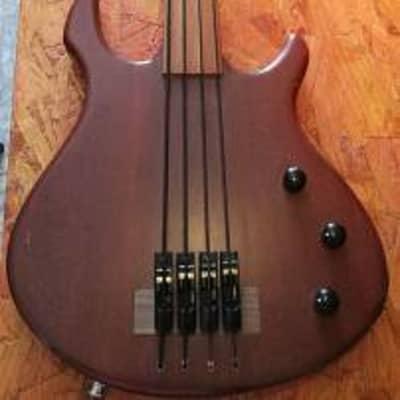 AB bass Custom PIEZO fetless 4 strngs 1982 natural