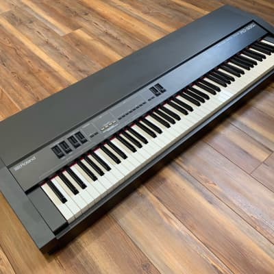 Roland RD-300S 88-Key Digital Piano