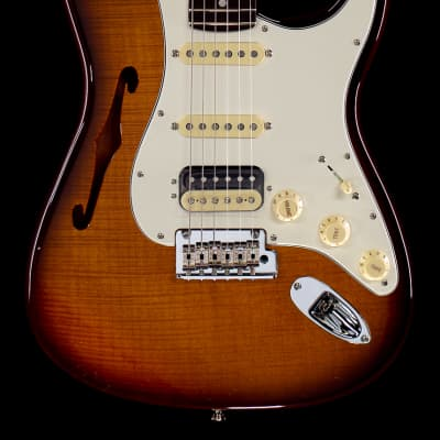 Fender Rarities Flame Maple Top Stratocaster HSS Thinline (557)