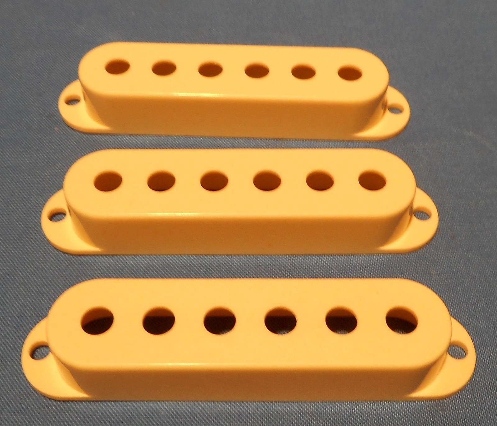 Cream Musiclily Pro Plastic Guitar Single Coil Pickup Covers for USA//Mexico Strat Set of 3