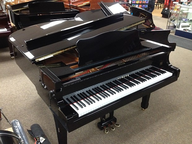 Excellent Condition Beautiful Yamaha C2 Conservatory