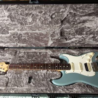 Fender American Professional Stratocaster HSS 2017 Sonic Grey