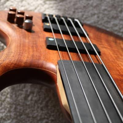 Benavente Vortex 5 string Fretless bass 2007 Walnut for sale