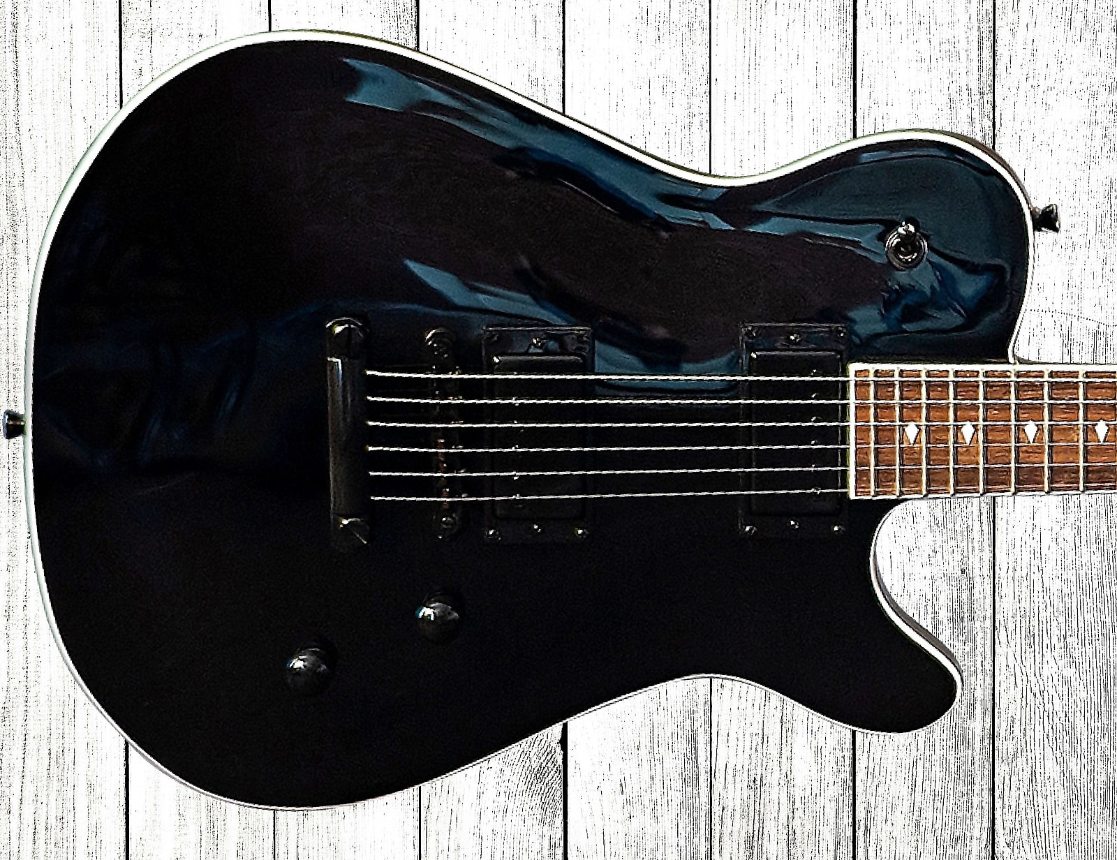 Bootlegger Guitar  Rye 2020 Black on Black With OHSC Case & Flask