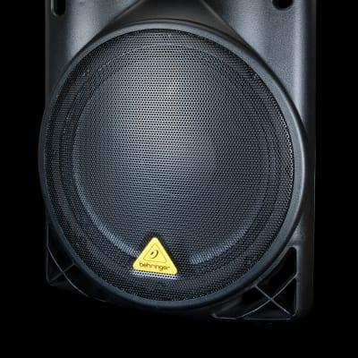 Behringer B215D Active 550 Watt Two Way Speaker System