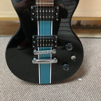 First act S101 w/ deluxe hard case for sale