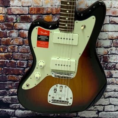 Fender American Pro Lefty Jazzmaster Electric Guitar, 3 Color Sunburst - DEMO #2