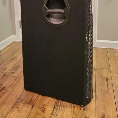 """Behringer Eurolive VP2520 2000-Watt Dual 15"""" Passive Speaker"""