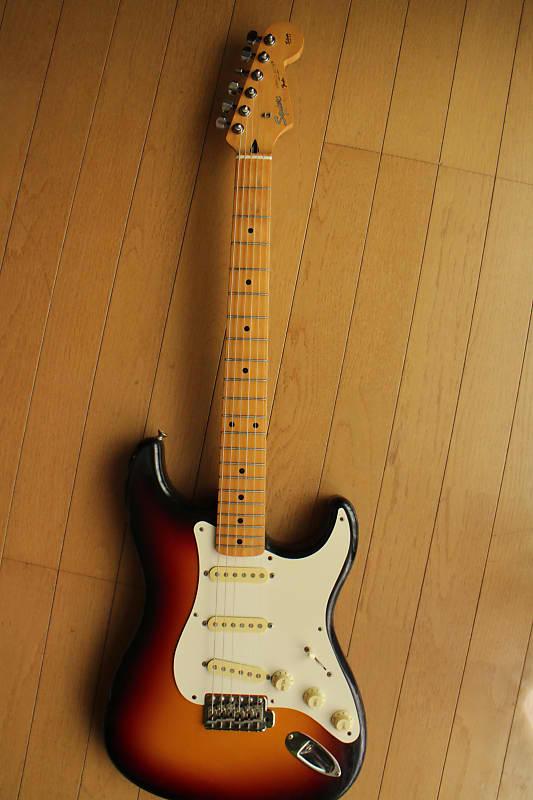 Vintage Fender Japan Squier Stratocaster Silver series 1993 Sunburst image