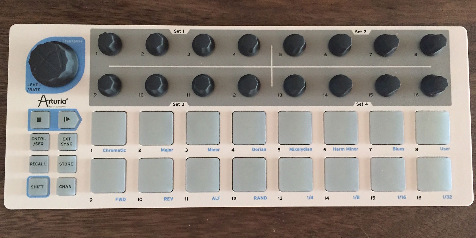 arturia beatstep usb  midi  cv controller and sequencer