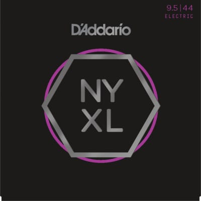 D'Addario NYXL09544 - NYXL Nickel-Wound Super Lite Plus 9.5-44