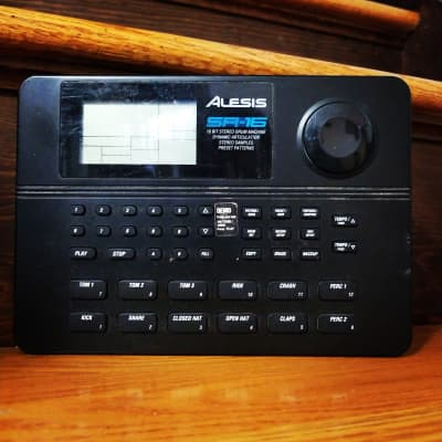 Alesis SR 16 Vintage Drum Machine