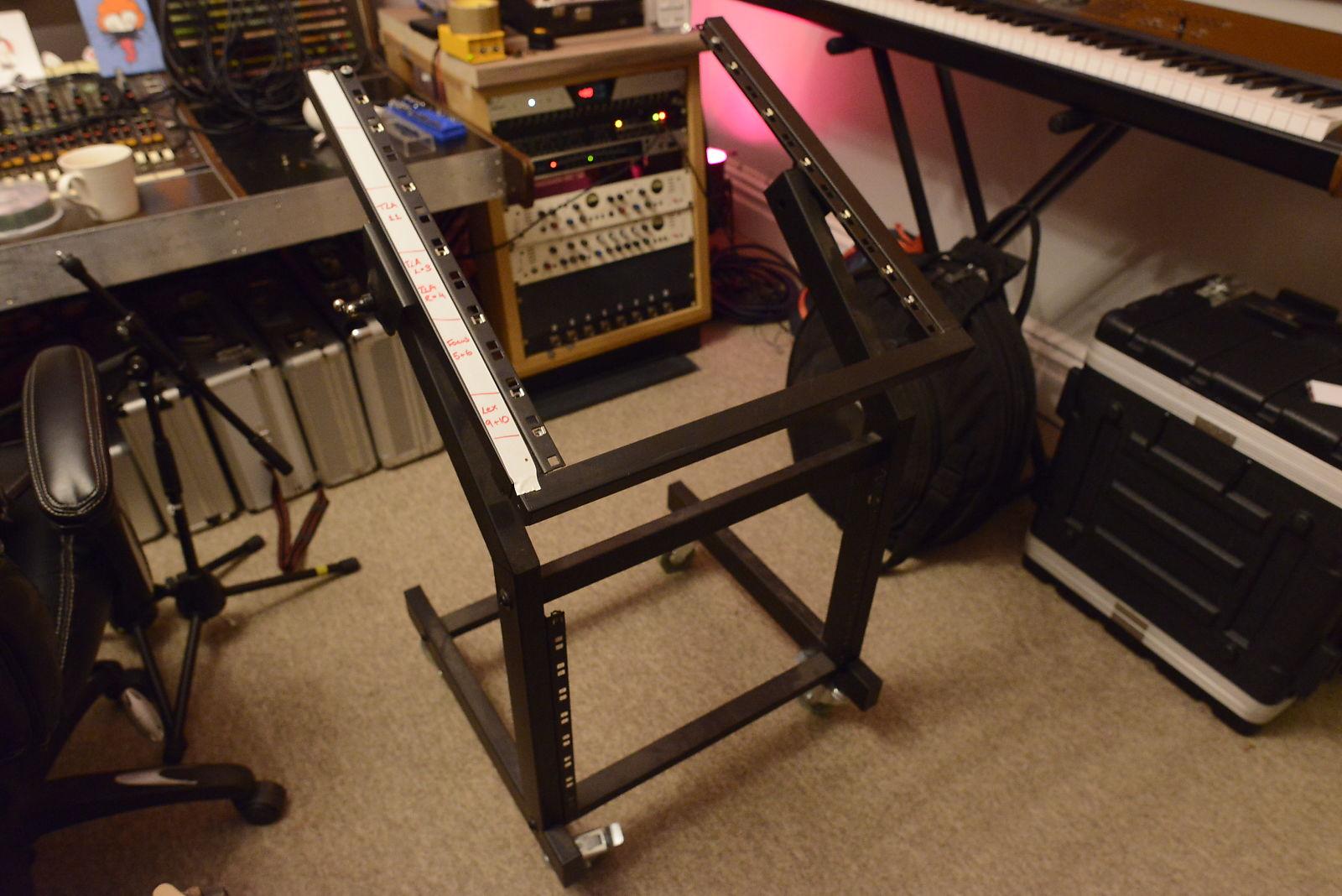 19U Outboard Gear Adjustable Studio Mixing Rack Trolley on Wheels
