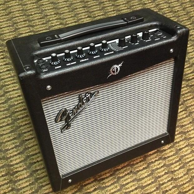 fender mustang i v2 guitar amplifier reverb. Black Bedroom Furniture Sets. Home Design Ideas