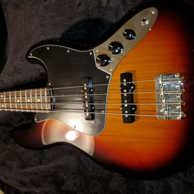 Fender Performer Jazz Bass 2018 Sunburst