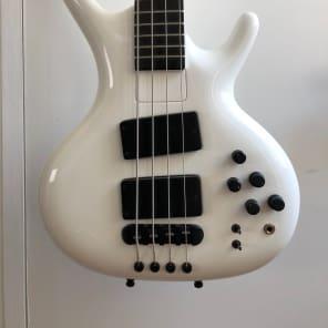 Ritter Roya 4 String 2009 White for sale