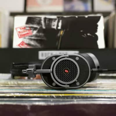 Master & Dynamic Master & Dynamic Rolling Stones MH40 Over Ear Headphone Black /Silver