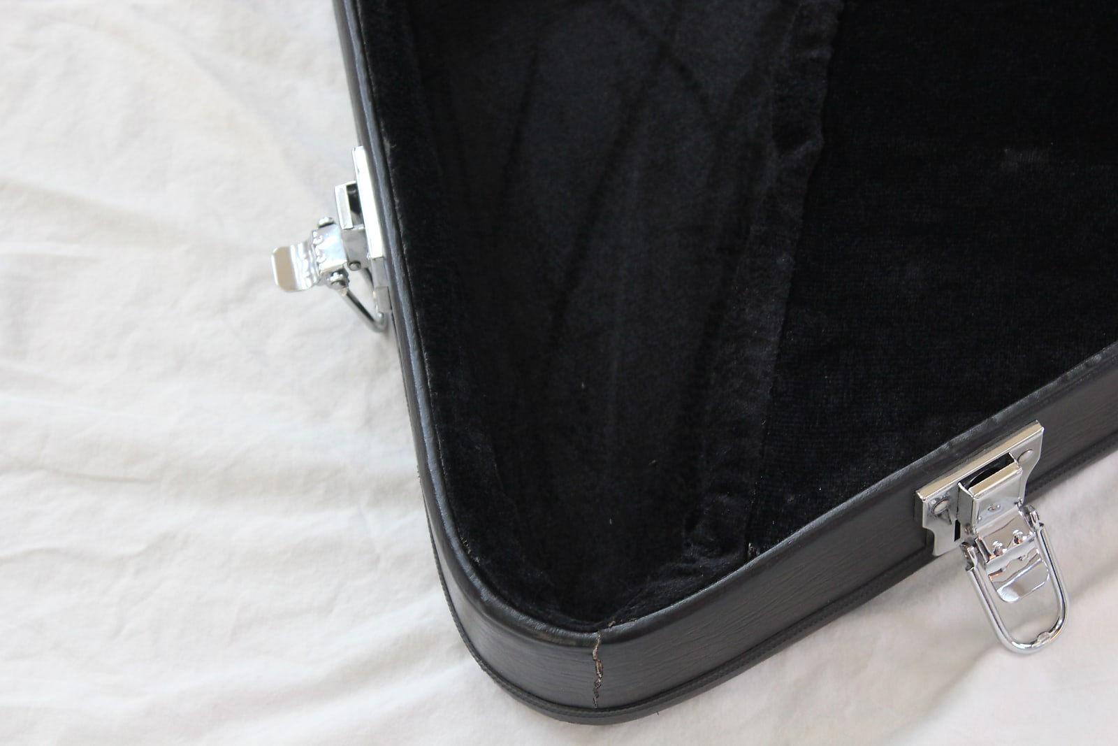 31cf440515c CNB EC20/FV Flying V Electric Guitar Case Black - Case N Bag Makers To The  World