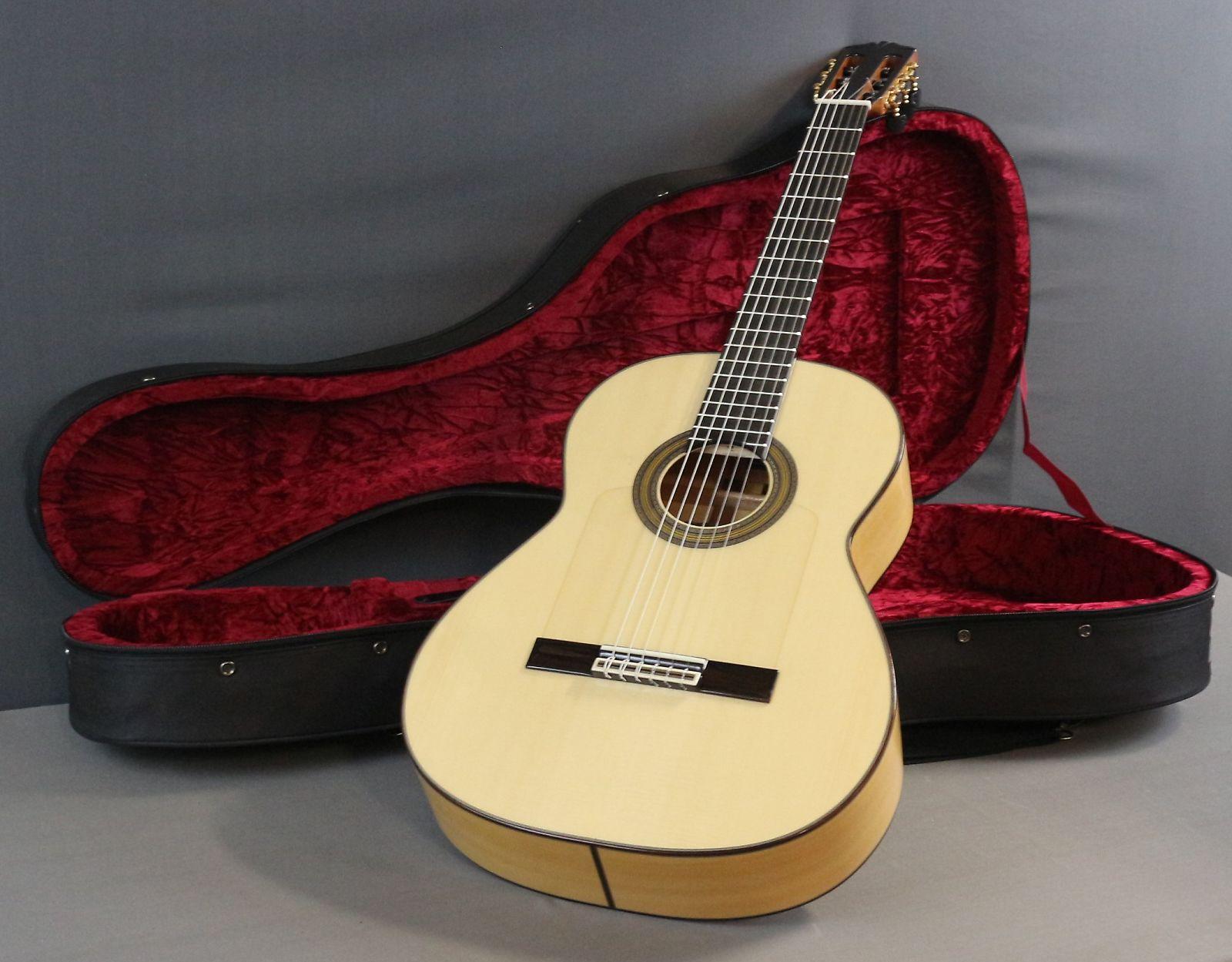 9c9376d74f Cordoba Espana Series Solista Flamenca Acoustic Classical Guitar w/Ploy Foam  Case