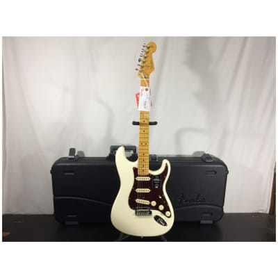 Fender American Professional II Stratocaster, Maple FB, Olympic White w/ Case