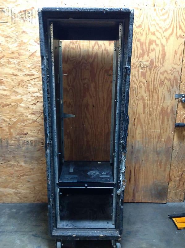 KK Audio 36 Rack Space Shockmounted Tour Case • Heavy-Duty