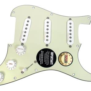 920D Custom Shop 162-35-10 Fender Vintage Noiseless Loaded Prewired Strat Pickguard