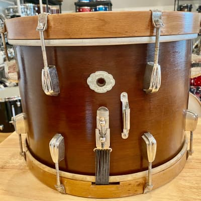 Slingerland Radio King snare with Aluminum Cloud badge 1942-1947 Mahogany shell with maple hoops