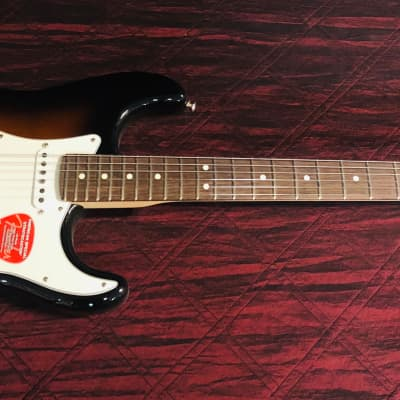 Fender American Special Stratocaster 2-Color Sunburst Authorized Dealer