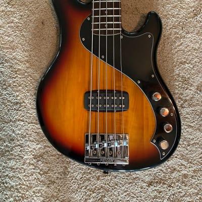 Squier Deluxe Dimension Bass V 3-Color Sunburst