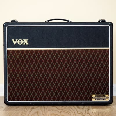 """Vox AC30HW Limited Edition Hand-Wired 30-Watt 2x12"""" Guitar Combo"""